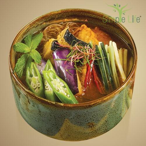 Asam Laksa with Brown Rice Bee Hoon / Sweet Potato + Pumpkin Noodles / 亚叁拉沙糙米米粉/ 紫薯 + 南瓜面条