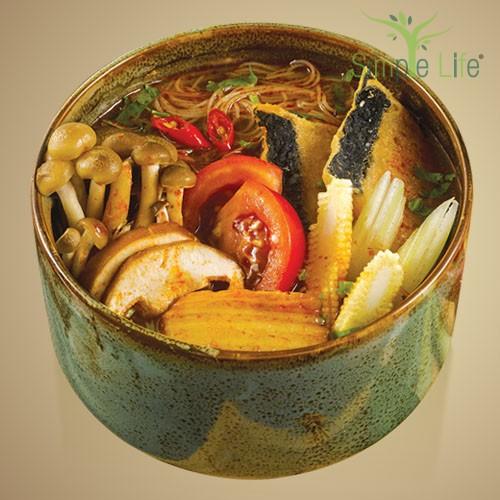 Tom Yam with Brown Rice Bee Hoon / Sweet Potato + Pumpkin Noodles / 冬炎糙米米粉汤/ 紫薯 + 南瓜面条