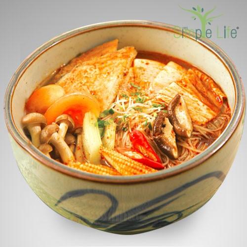 Tom Yam Brown Rice Bee Hoon / 东炎糙米米粉汤