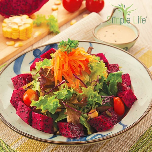 Dragon Fruit Green Salad / 龙珠果沙拉