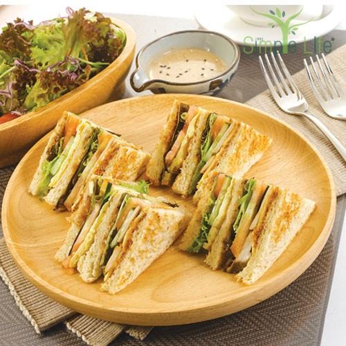 Simple Life Club Sandwiches with Green Salad / 简易乐活三文治 + 绿叶蔬菜沙拉