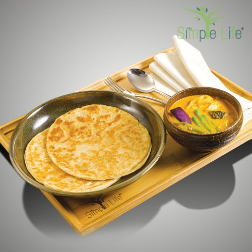 Roti Canai with Vegetable Curry / 煎饼 + 蔬菜咖哩